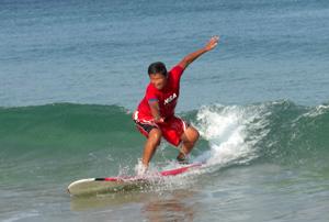 白浜で初めてサーフィンして初めてテイクオフ成功