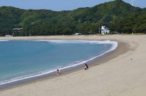 今日の弓ヶ浜の水温は22度、泳げます。