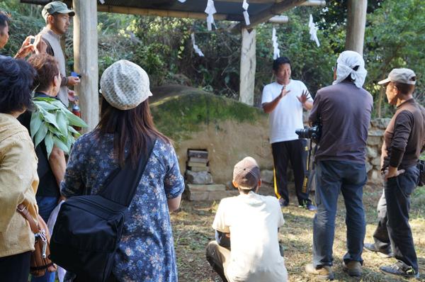 弓ヶ浜で第1回南伊豆ジオパーク研究会を開催(加納の伊豆石の石丁場)