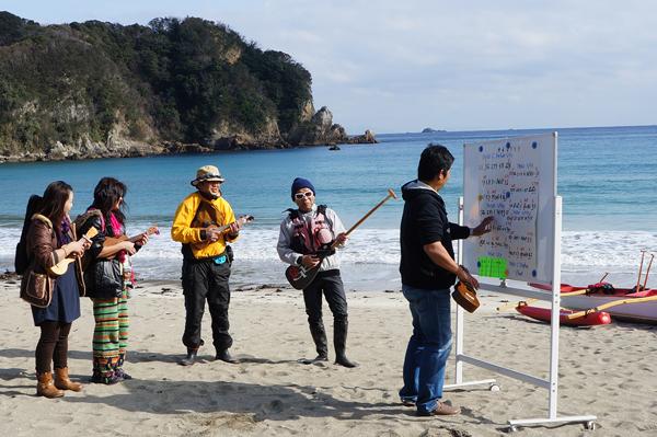 弓ヶ浜で第1回目のウクレレ練習会