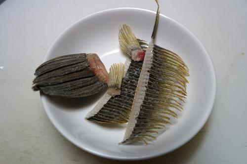 かわはぎのひれ酒、これは南伊豆漁師だけが知っている秘密の一品です。