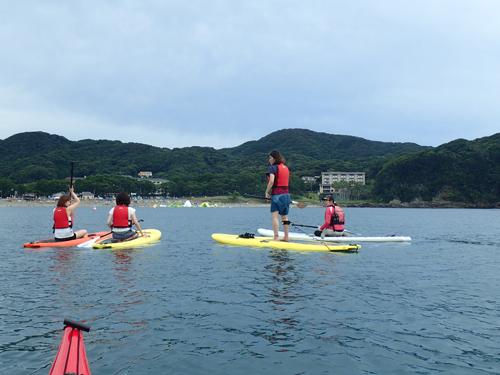 弓ヶ浜マリンスポーツエリア開設によって海水浴期間でもサップが楽しめます。