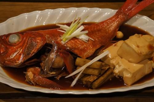 1kgジキンメの半身の煮付け。魚の味を味わいたいので煮汁は京風のアッサリ薄味です。