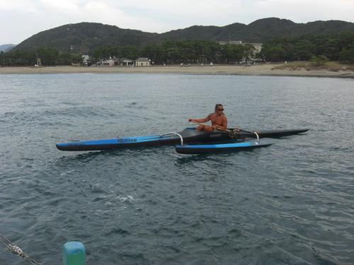 九州から弓ヶ浜までアウトリガーカヌーを漕いできたDuek 金子さん