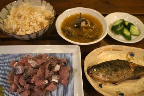 これぞ南伊豆でしか食べられない「タカベ三昧」定食です。