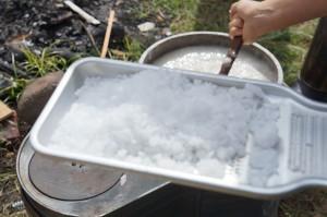 南伊豆の弓ヶ浜でこんにゃく作り