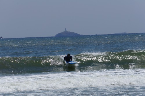 弓ヶ浜でロングボード