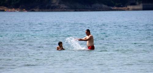弓ヶ浜の初泳ぎ