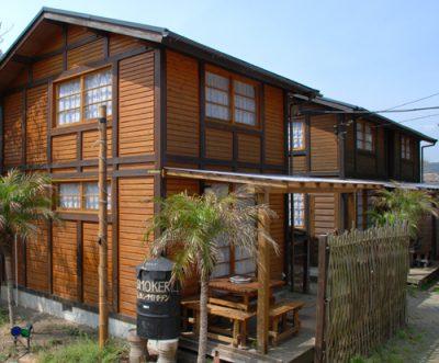 弓ヶ浜へ30mのログハウス貸し別荘。2階建て。