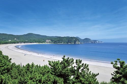 伊豆半島最南端の白砂1kmビーチの弓ヶ浜