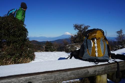 猫越岳の展望台、御前崎、南アルプスまで見渡せる