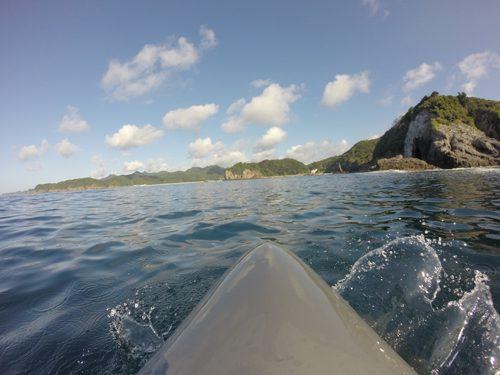 タライ岬から伊豆半島の最南端の石廊崎を眺める