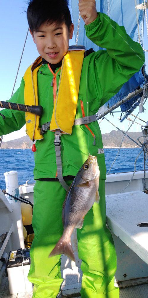 弓ヶ浜沖でイサキ釣り